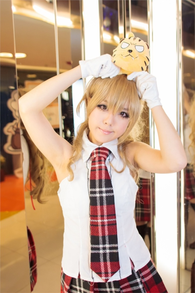 sunday(日日) Taiga Aisaka Cosplay Photo