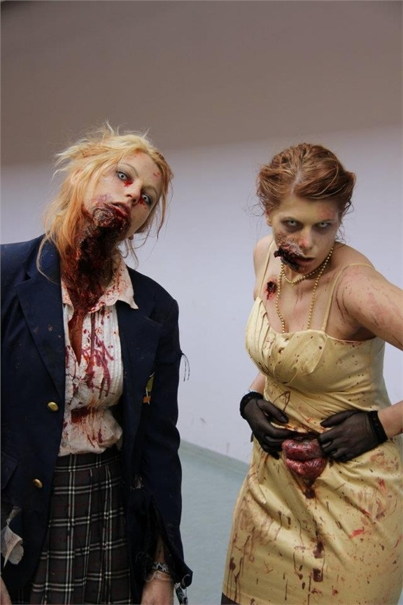 Christina(Chrix) Zombie Cosplay Photo