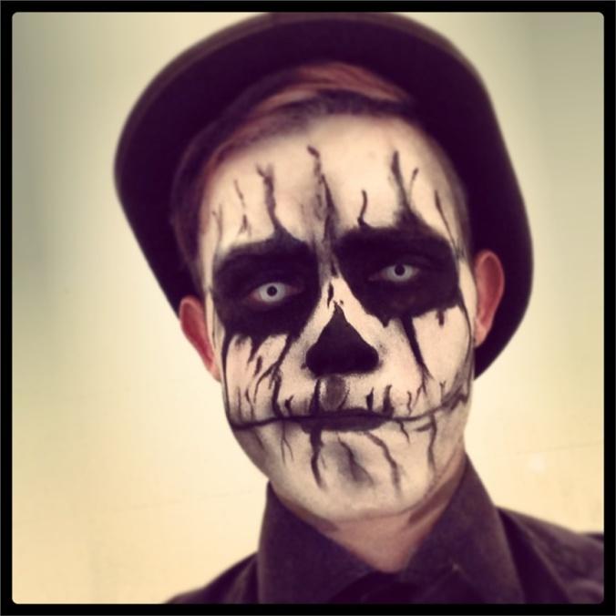 Sean Robinson(Ashika Cosplay) Skeleton Cosplay Photo