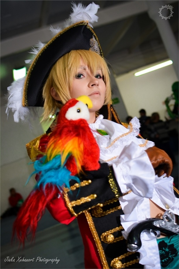 England - SanctusIX(Roxas) Pirate England Cosplay Photo